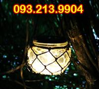 Đèn treo cây sân vườn pin năng lượng
